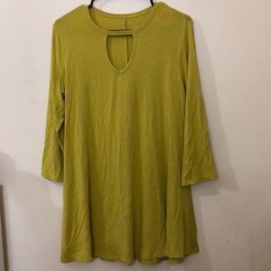 SOFT SURROUNDINGS Keyhole Front Tunic Top